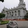Българската църква Свети Стефан и чешмата в двора