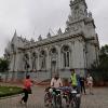 Български колоездачи в българската църква Свети Стефан