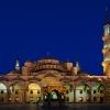 Нощна снимка на Синята джамия