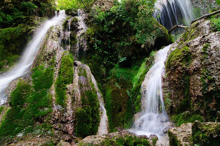Razhodka Do Devetashkata Peshera I Krushunskite Vodopadi Blogt Na